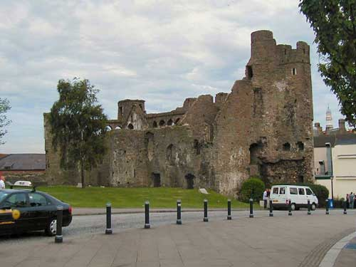 Swansea Castle is to be opened up to visitors for the first time in decades