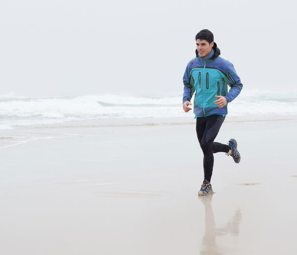 Men tend to extend their runs in response to longer runs by friends / photo: shutterstock.com