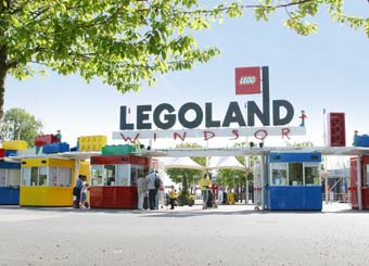 A weed-free red carpet at Legoland