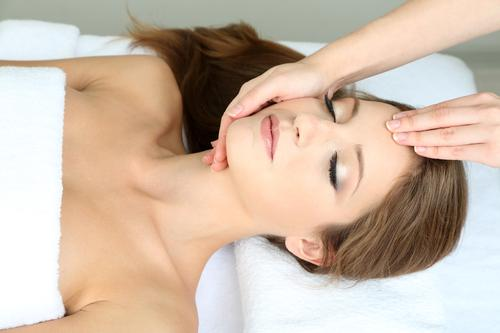 'Thai face-slapping' massage fad comes to Los Angeles