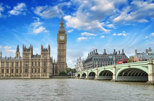 In London alone, there are currently 3,705 rooms scheduled to open in the next three years under a franchise agreement / Shutterstock.com