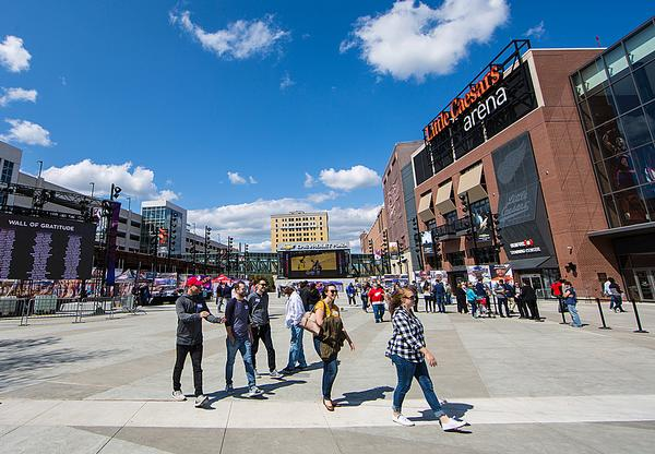 Little Caesar Arena is designed to reach out to shoppers and diners