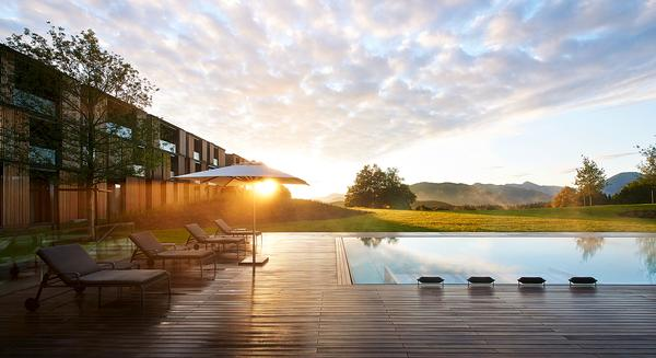 Christoph Ingenhoven's experience as a guest at Lanserhof Lans influenced the design of the Tegernsee site