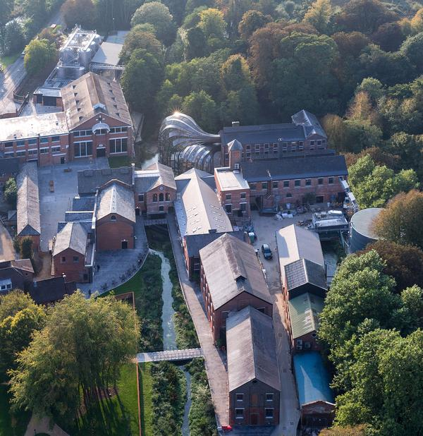 An aerial view of Laverstoke Mill, with the glass houses central to the attraction / photo: © iwan baan