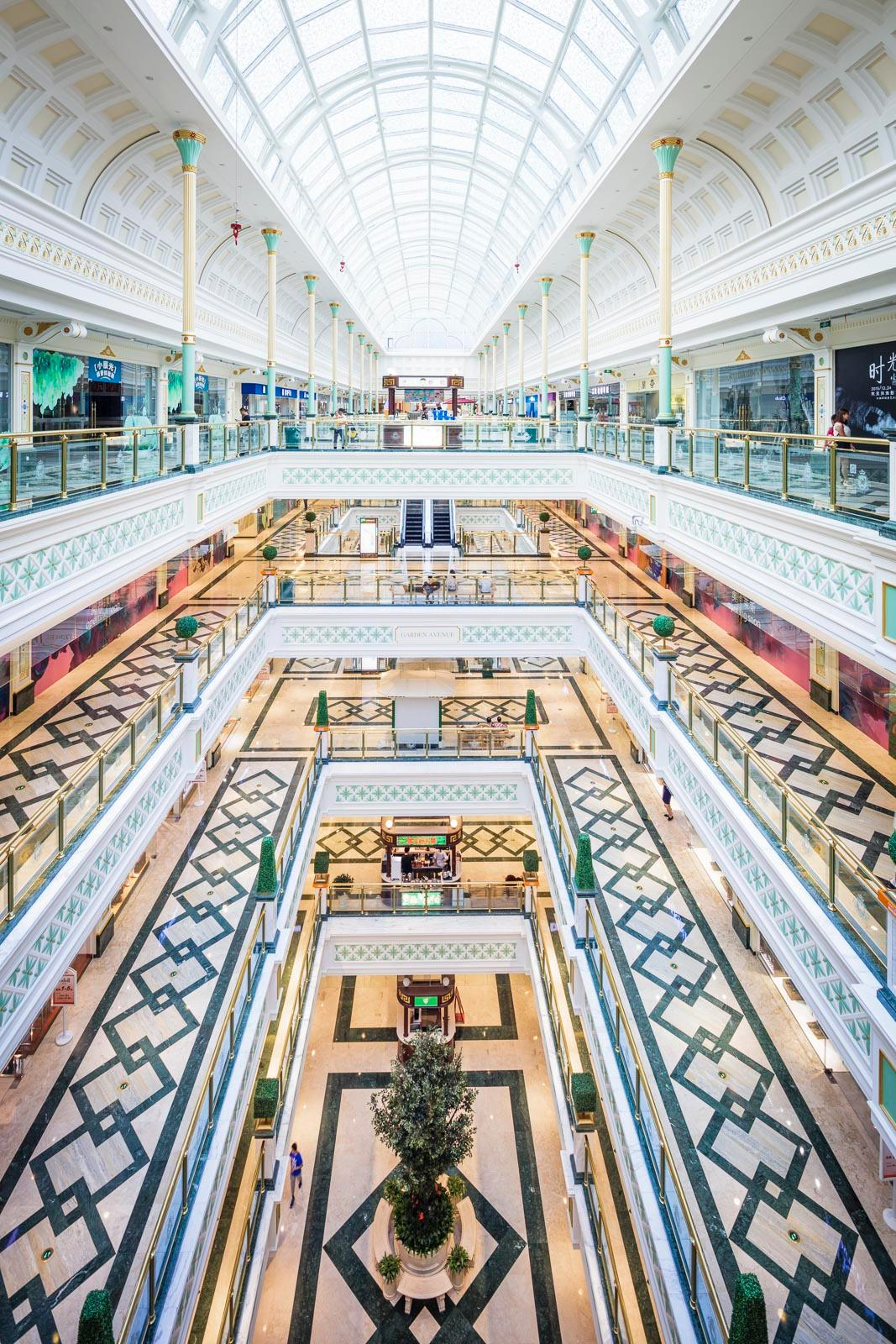 A 60,000sq m (645,800sq ft) of space dedicated to bars, restaurants and cafés / Chapman Taylor