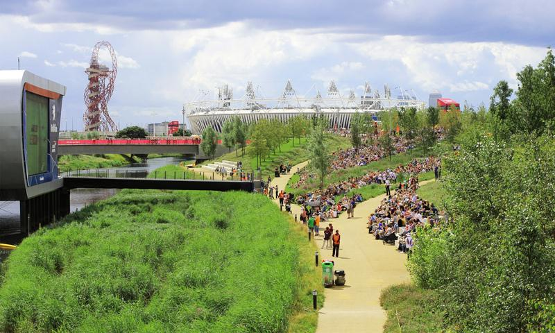 Queen elizabeth olympic park wins top landscape for Garden design queens park