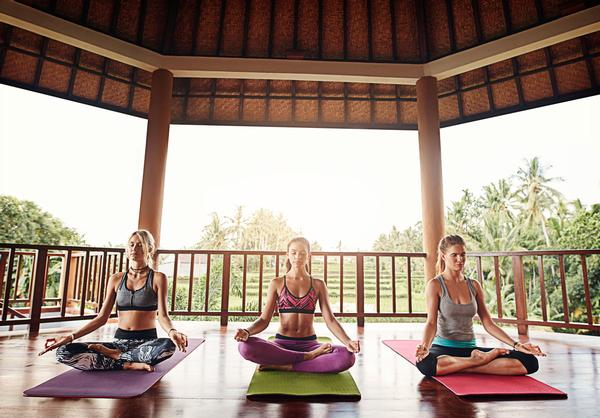 Modalities such as yoga will be part of the trend towards healthy breathing / Shutterstock.com