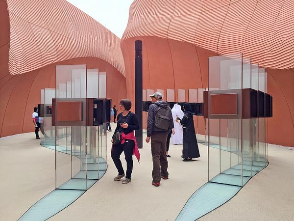 "Foster + Partners' UAE Pavilion: ""High on the list in terms of quality"" / ALL PHOTOS THIS SPREAD © CHRISTIAN LACHEL"