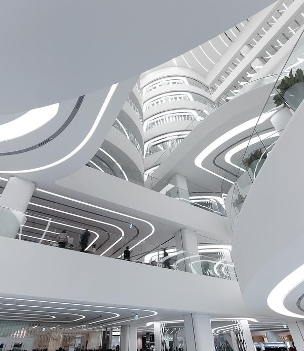 Van Berkel brought ideas from museum design to the Galleria Centercity in Cheonan