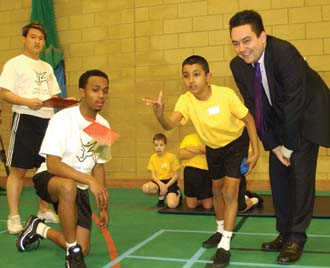 Stephen Twigg, MP, launches EYES in the UK
