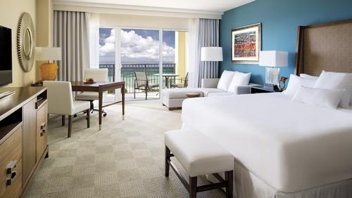 Ritz-Carlton unveils Aruba location