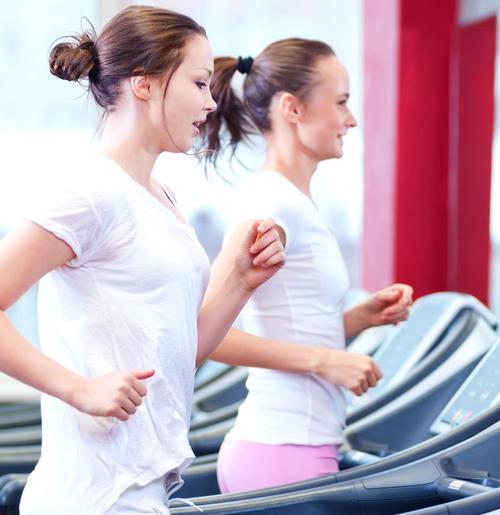 Women 'train harder' with gym buddies