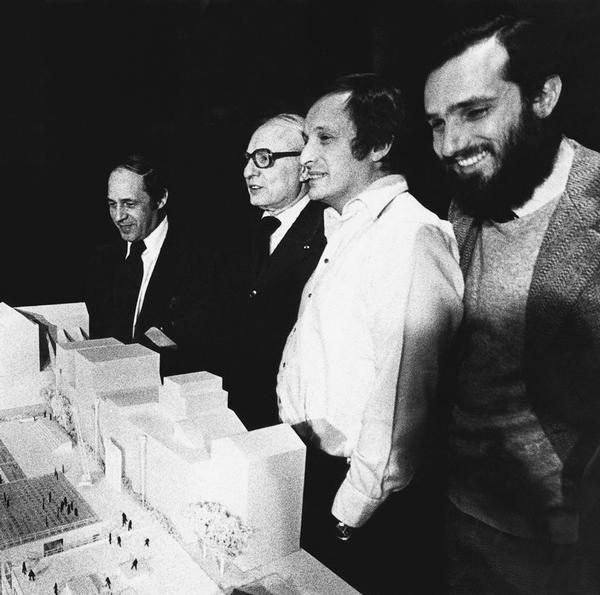 L-R: Pierre Boulez, director of IRCAM; Robert Bordaz, director of the client body; Richard Rogers; Renzo Piano