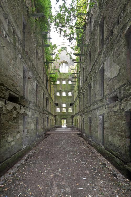 Bodmin Jail was built in 1779 and operated through to 1927, hosting 50 public hangings during that time / Twelve Architects