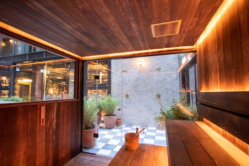 The sauna also features a glazed wall and door / Jason Ennis – Press Up Entertainment Group