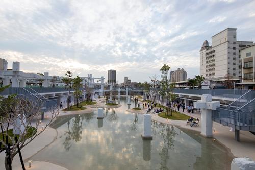 The facility shows how disused malls can be repurposed / Daria Scagliola