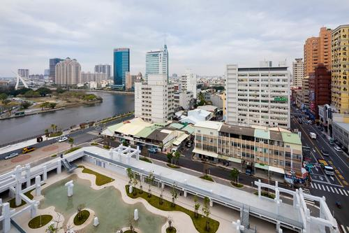 The China-Town Mall was built next to the Tainan Canal in 1983 / Daria Scagliola