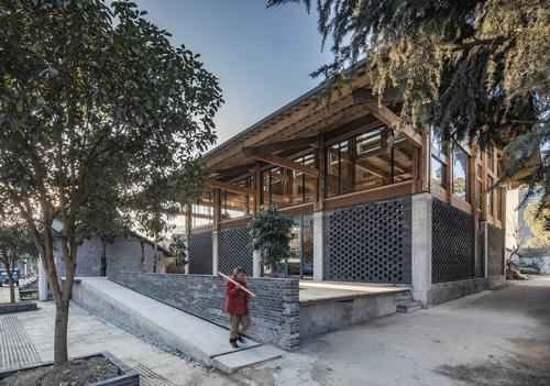The building covers an area of 546sq m (5,900sq ft) / Jin Weiqi