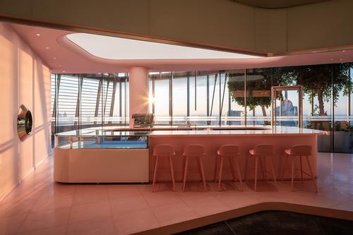 There is also a pink dessert café / CreatAR Images