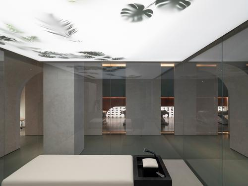 Lighting features are used as highlights against a pale colour palette / Waterfrom Design