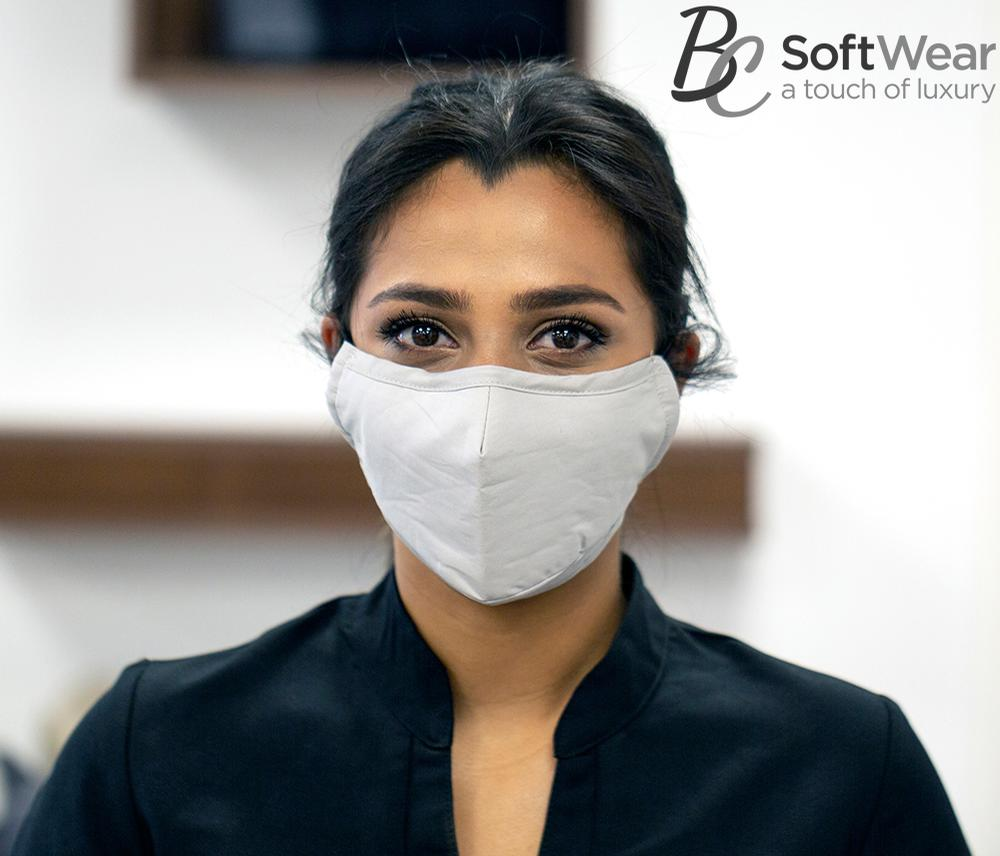 This washable mask is made from natural cotton and composed of three layers.