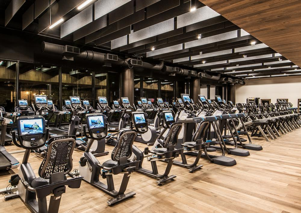 Midtown Athletic Club and other Chicago-based health clubs were given permission to keep their doors open, despite lockdown-style restrictions in the city / Midtown Athletic Club