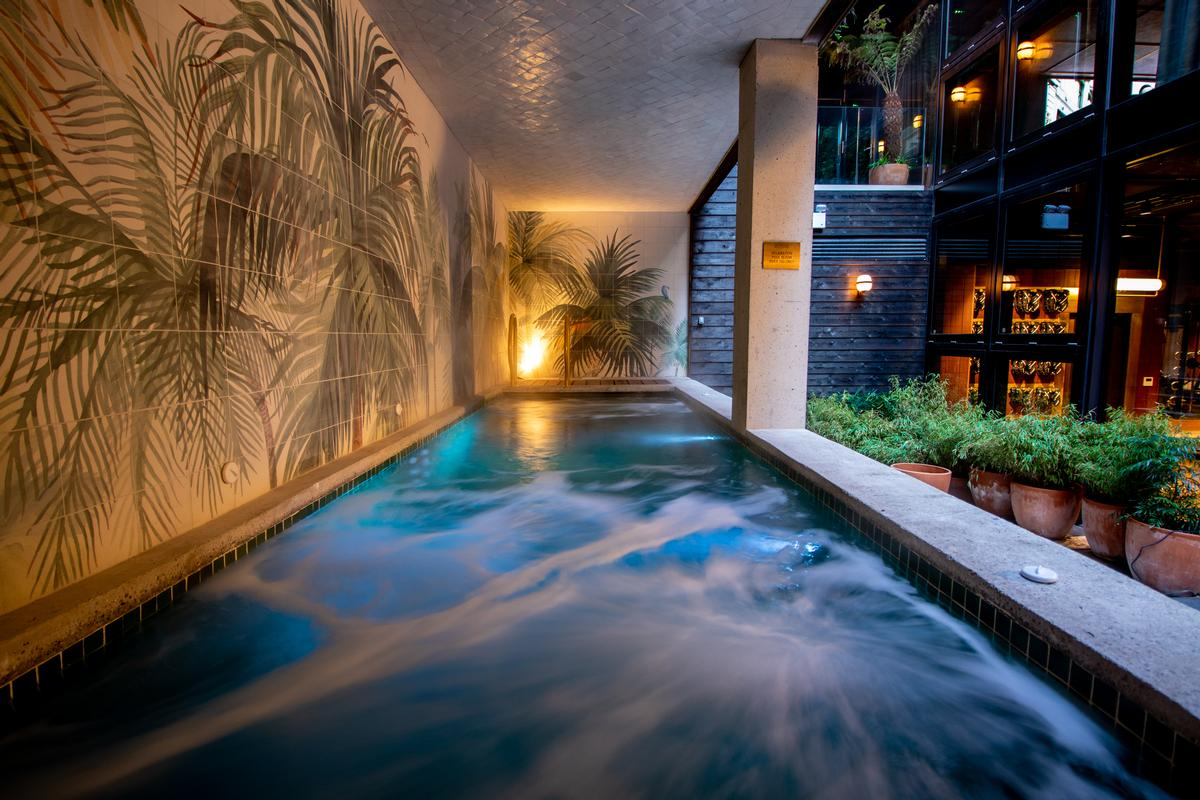 There is a covered outdoor relaxation pool for guests to unwind in / Jason Ennis – Press Up Entertainment Group
