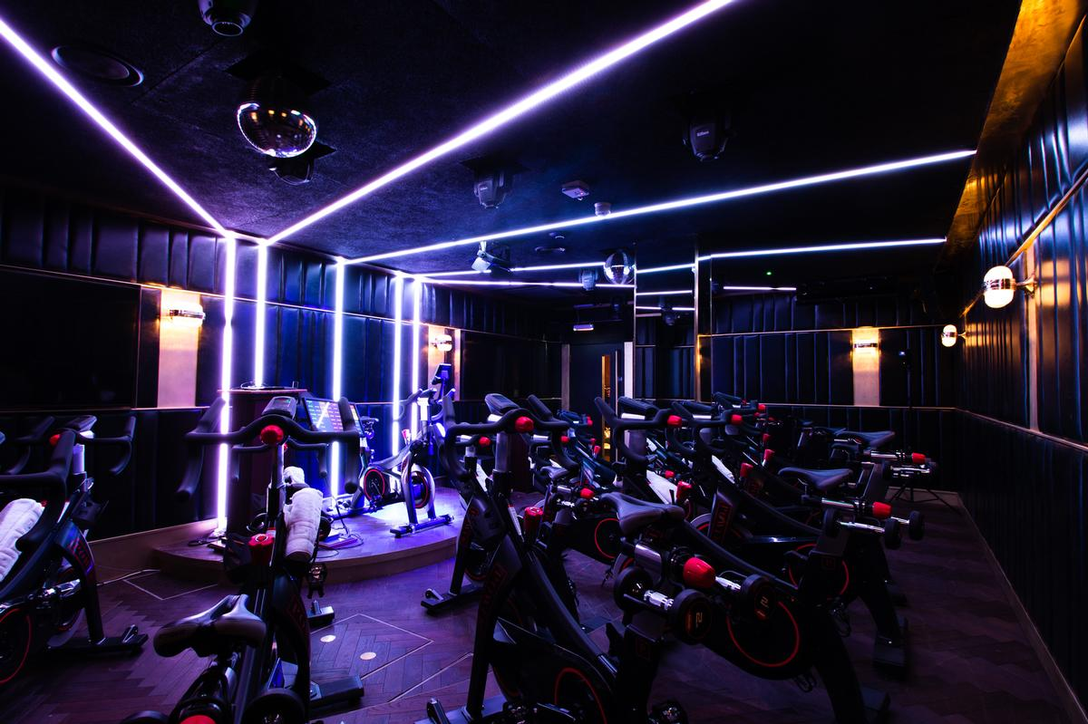 The Power Pedal studio has bikes made by Stages Studio and big screens that show live data during classes / Jason Ennis – Press Up Entertainment Group