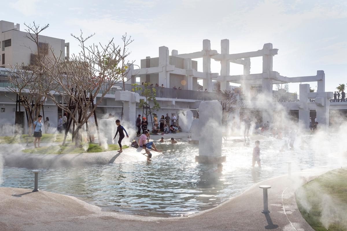 Tainan Spring is an open-air space aimed at being a gathering spot for all seasons / Daria Scagliola