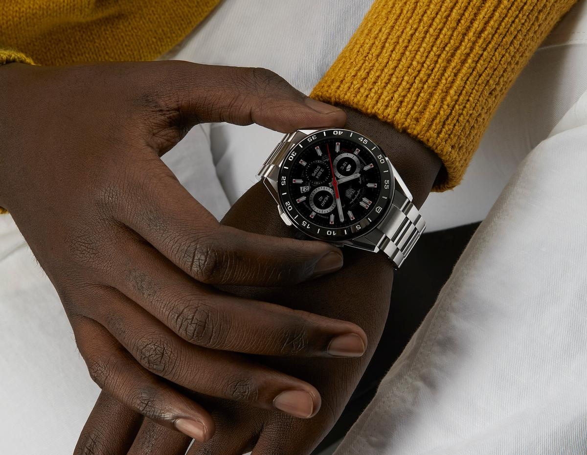 The data is gathered by a number of sensors, which include a built-in GPS and heart-rate monitor / TAG Heuer