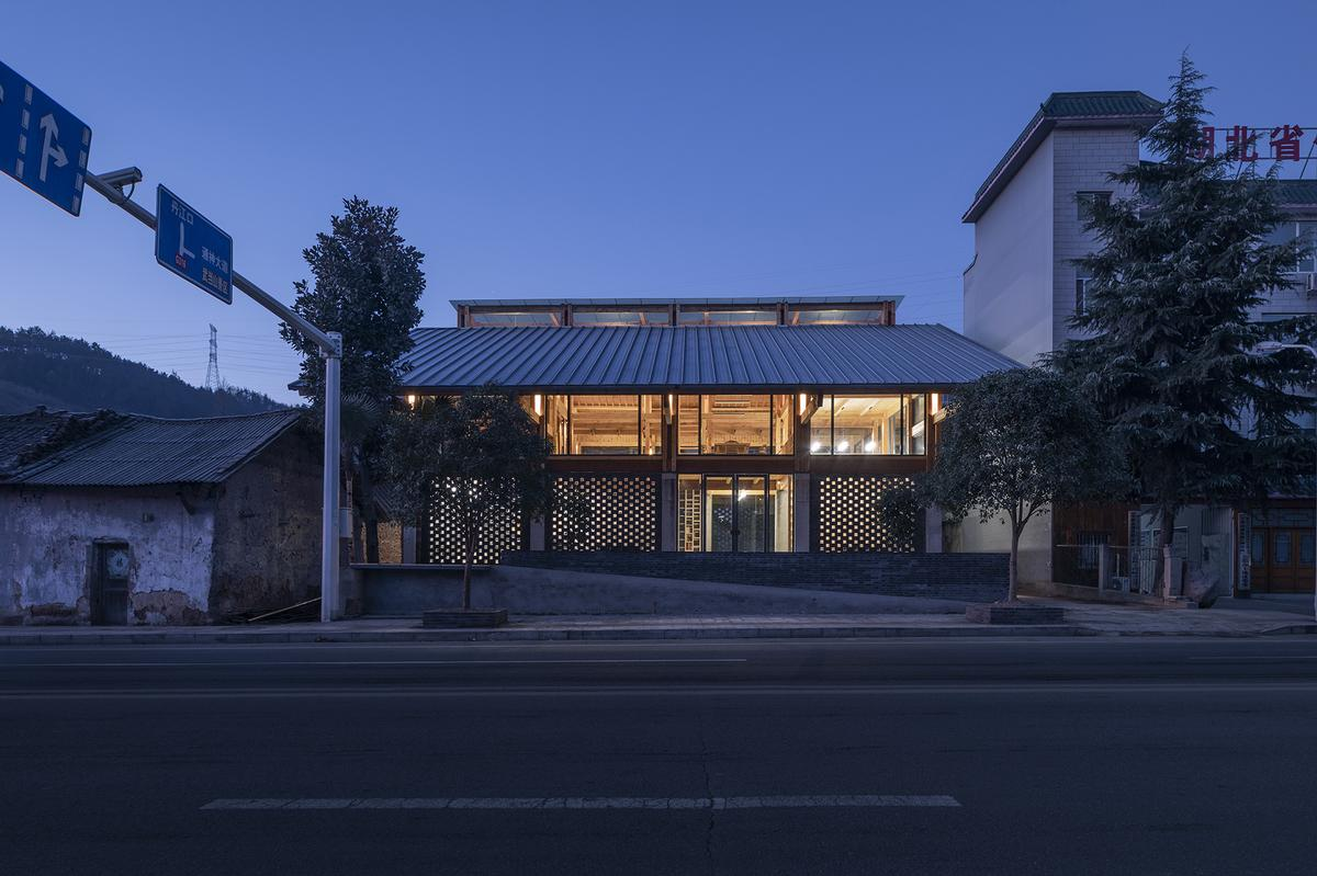 It took just two months to design and construct the building / Jin Weiqi