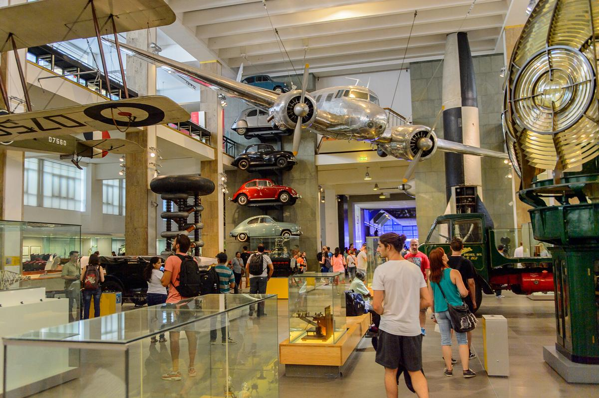 London's Science Museum is among the institutions facing huge losses in the face of an extended closure / Shutterstock.com