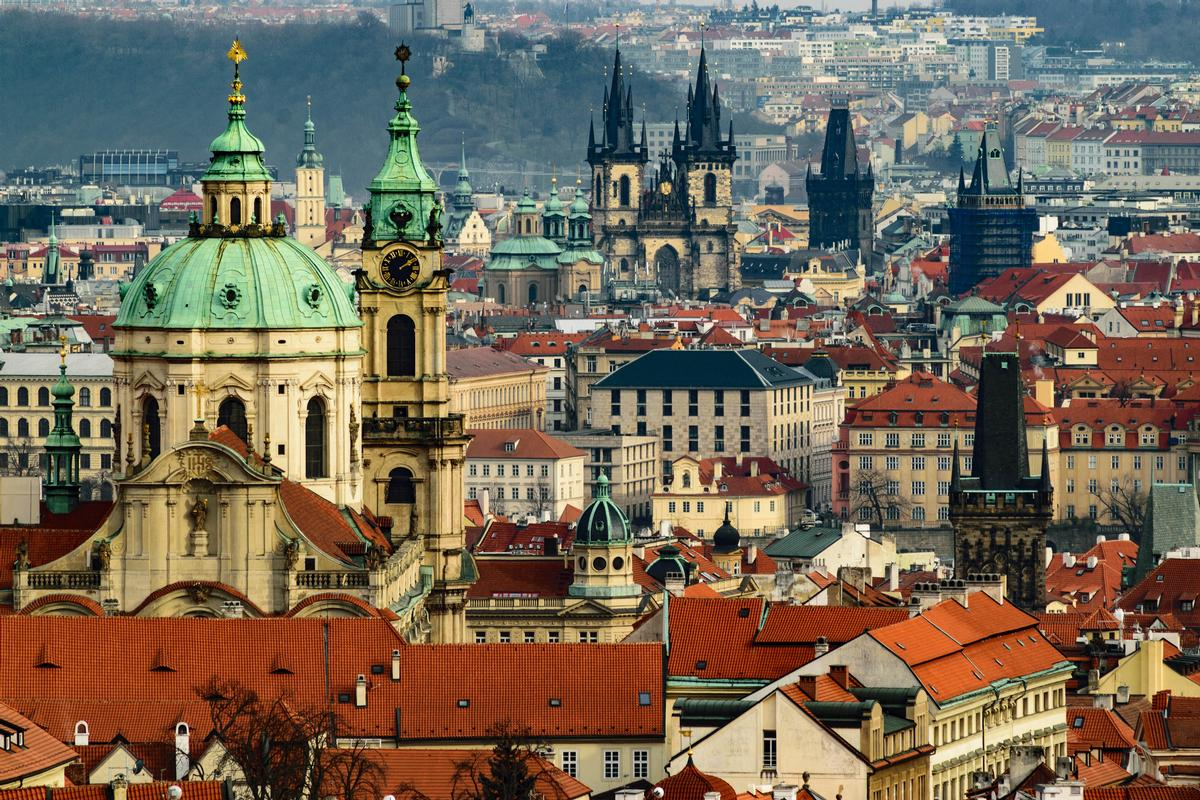 Gyms in Prague are now permitted to open, although few have done so yet / Photo: Dmitry Goykolov/Unsplash