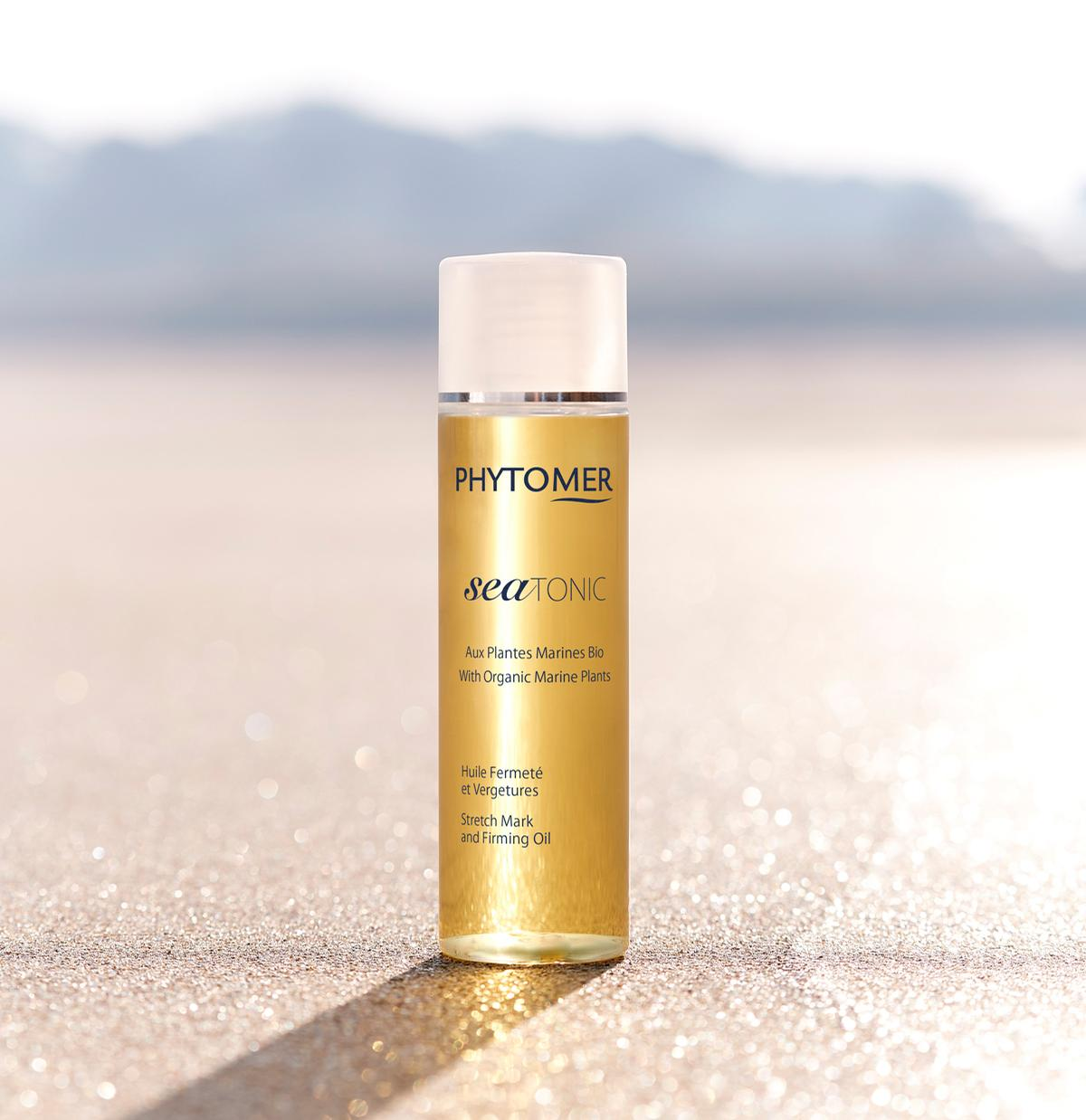 The ultra-light oil has a silky texture and a delicate orange flower scent.