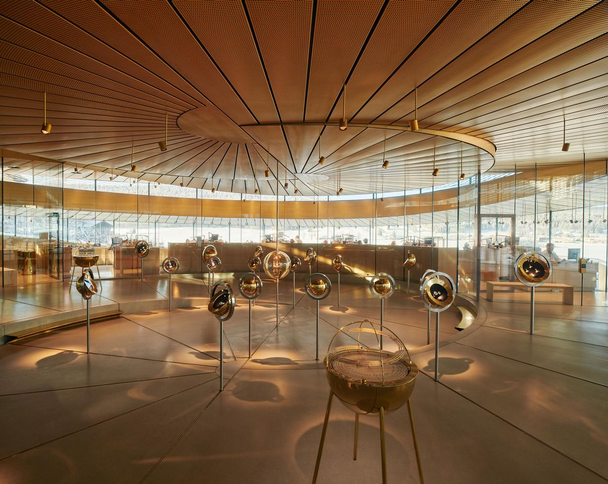 The museum has been designed as a spiral-shaped glass pavilion / Audemars Piguet/Iwan Baan