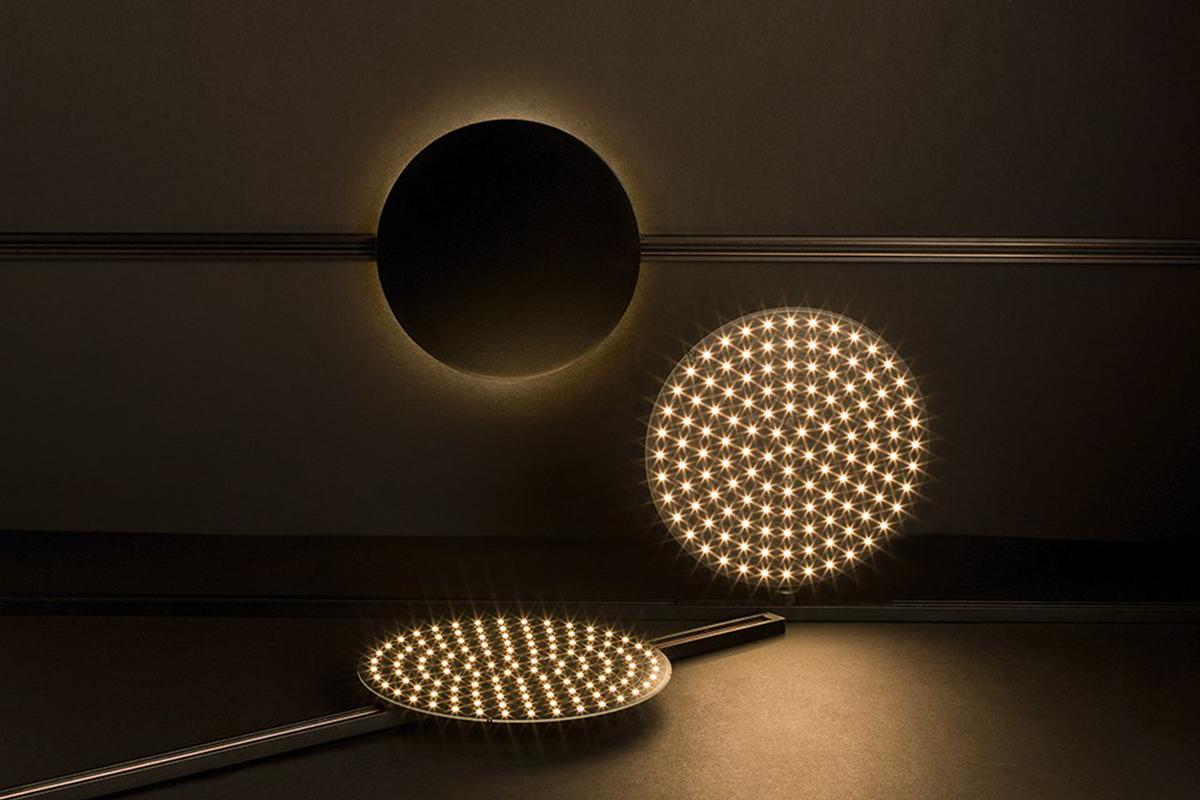 The product has three LED light sources: Dot, Dash and Grid