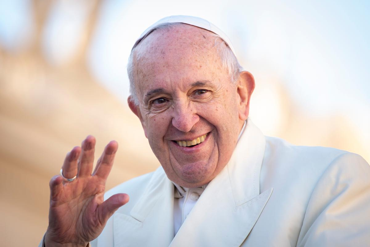 Pope Francis established the Vatican's COVID-19 Commission to contribute to post-pandemic recovery / Shutterstock/AM113