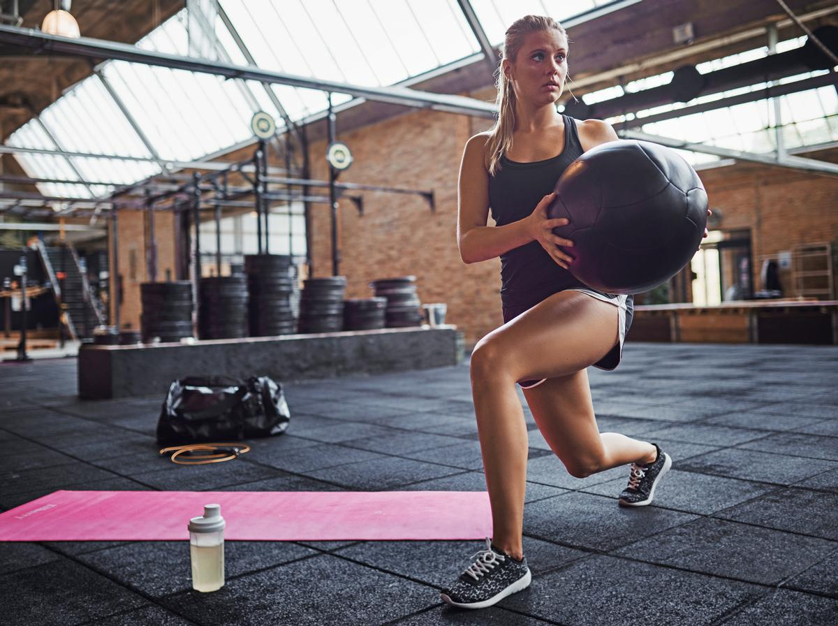 The study showed that there was no increased COVID-19 spread at gyms when preventative measures, such as social distancing and hygiene measures, were adhered to / Shutterstock.com/Flamingo Images