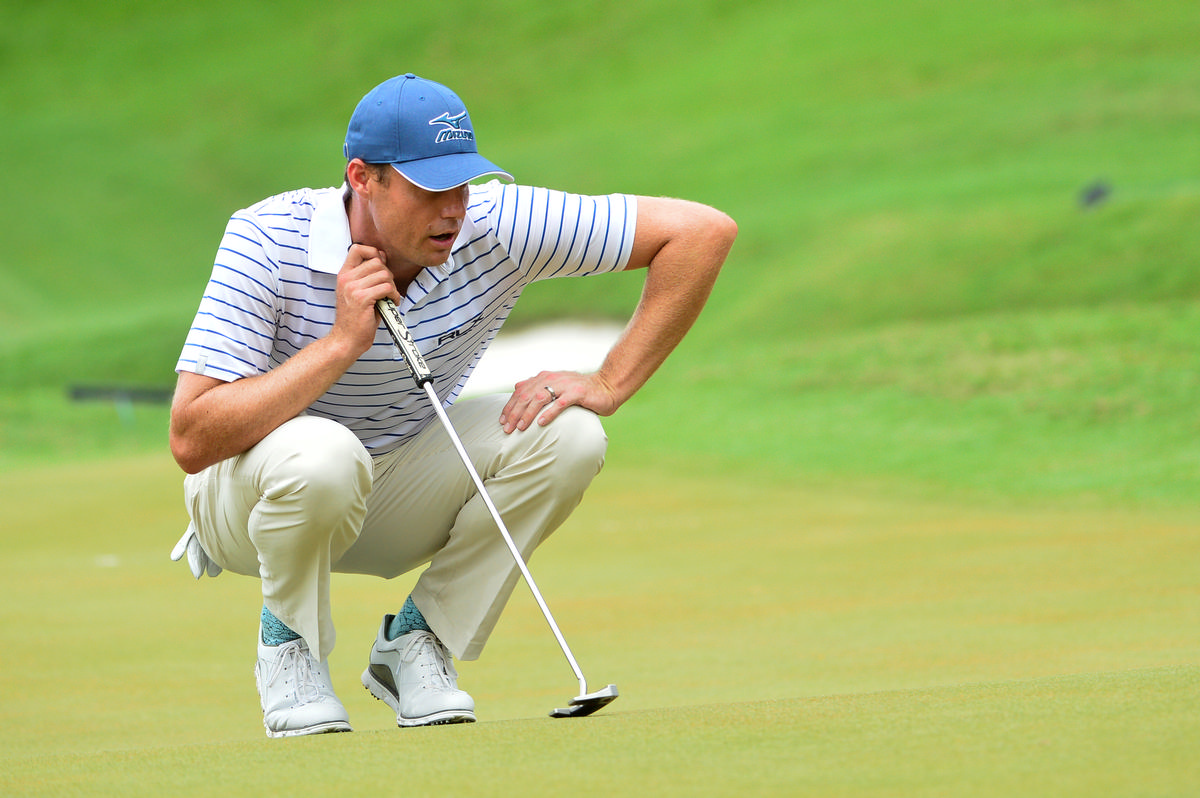 Watney found he had COVID-19 due to his Whoop Band / Shutterstock/masuti