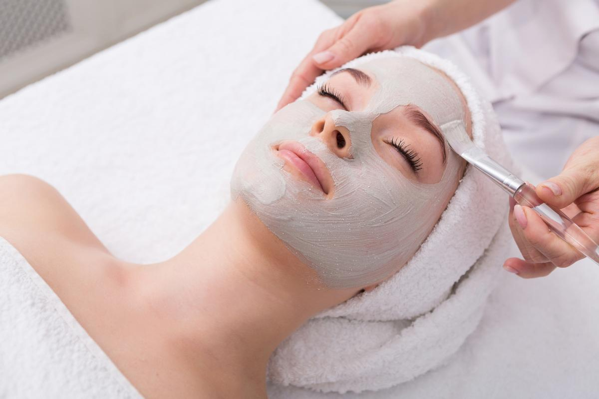 Spas in England can resume offering facials as of 1 August / Shutterstock: Prostock-studio