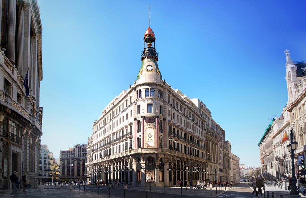 Wellness is a major focus at the hotel which will house a four-level urban spa retreat that will be capped by a sky-lit indoor pool and sun terrace looking out across Madrid's rooftops / Four Seasons
