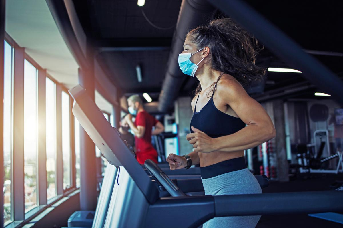 According to the government, the guide is 'underpinned by a spirit of collaborative working' between gyms, sport and leisure facility operators / Shutterstock.com/Aleksandar Malivuk