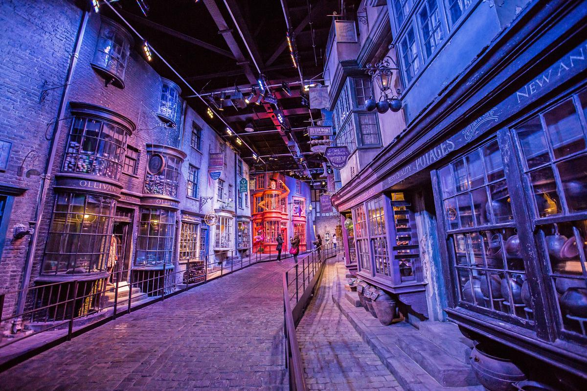 Warner Bros. to open Harry Potter studio attraction in Japan