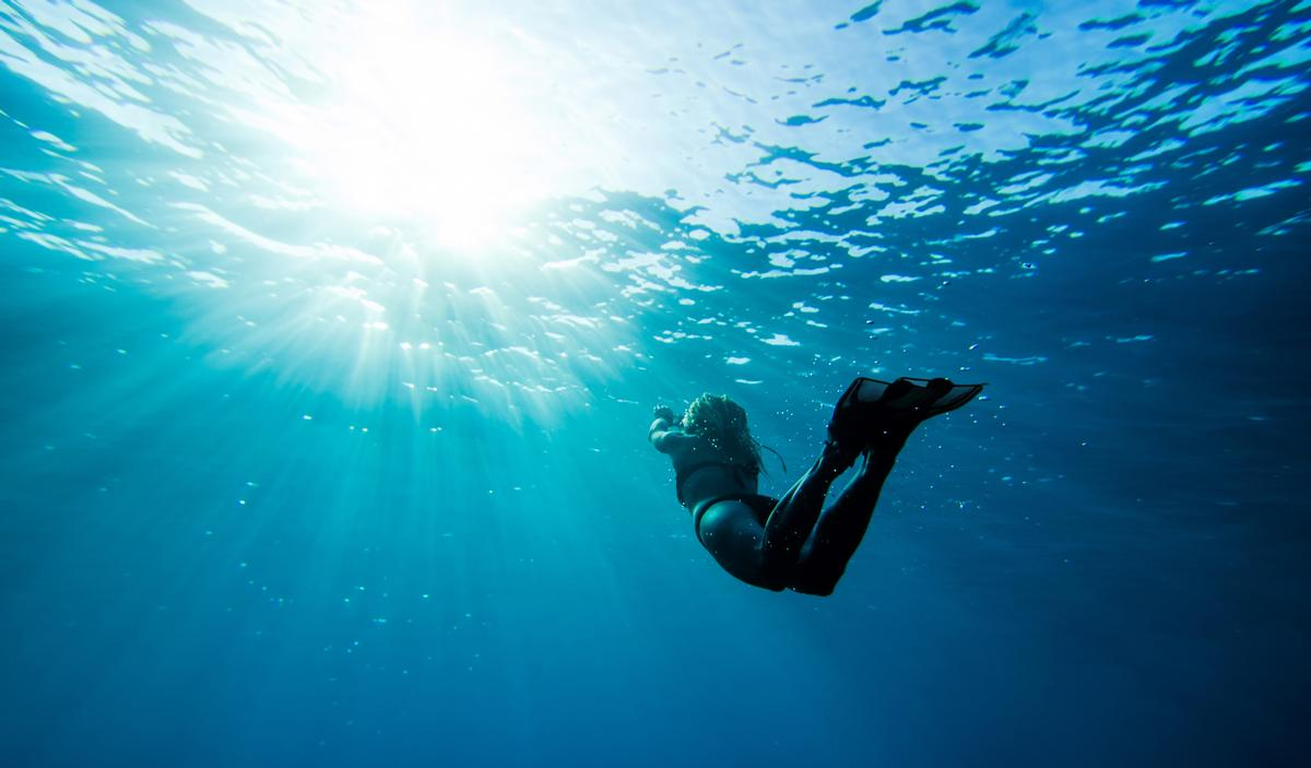 The programme combines diving with the power of breathwork, yoga and wellness for a therapeutic underwater experience / Shutterstock: Elovich