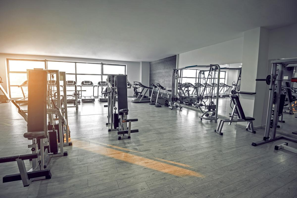 In some areas in California, fitness facilities are allowed to operate at just 10 per cent of capacity / Shutterstock.com/Ajan Alen