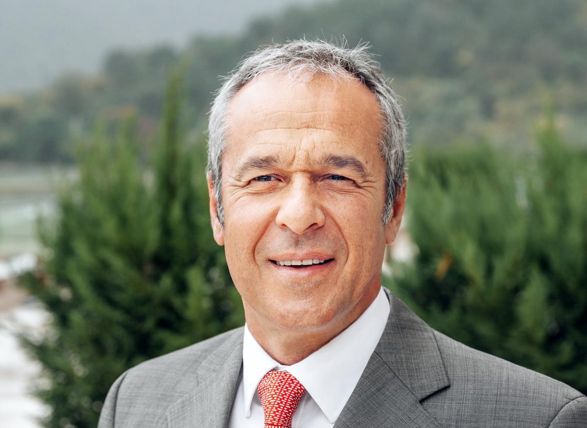 Dr George Gaitanos