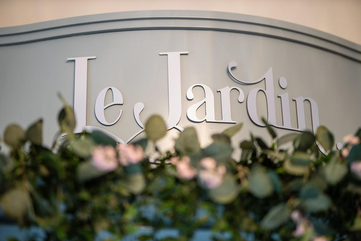 Le Jardin is an urban day spa concept, drawing on indigenous Northern Irish herbs to power and inspire treatments