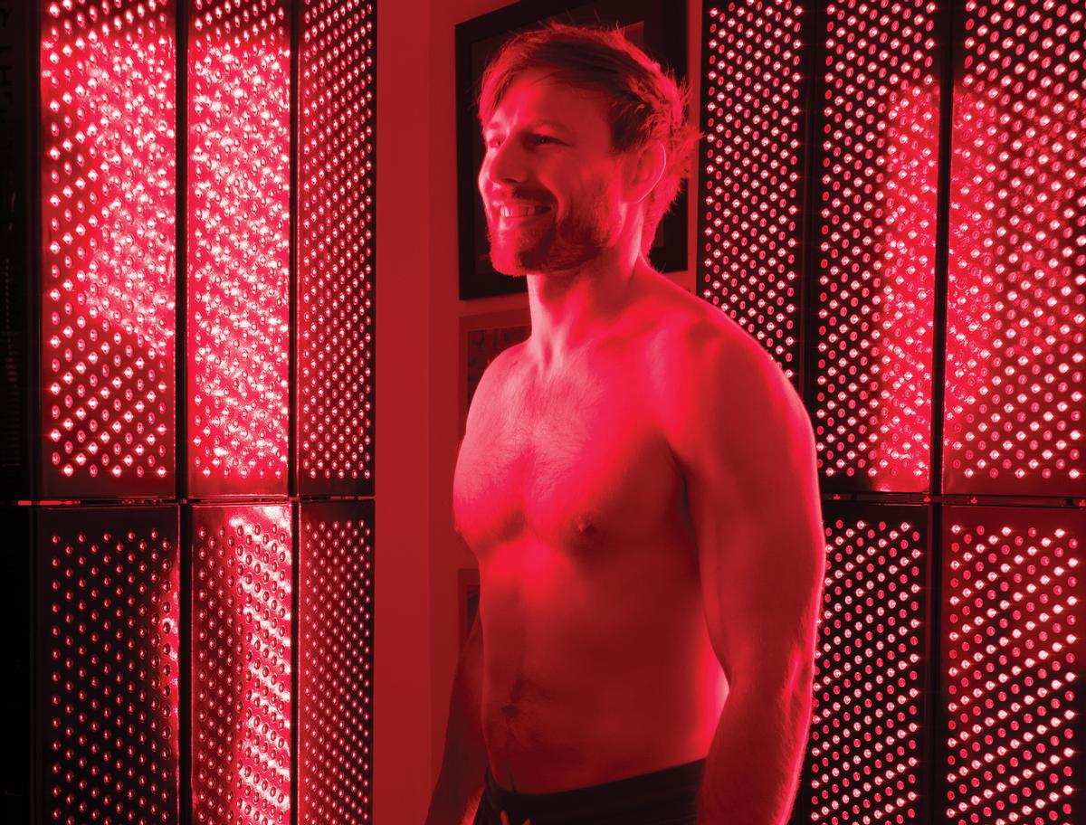 Possible advantages from using red light therapy include: mood improvement, sleep enhancement, injury healing and mental health benefits / Red Light Rising