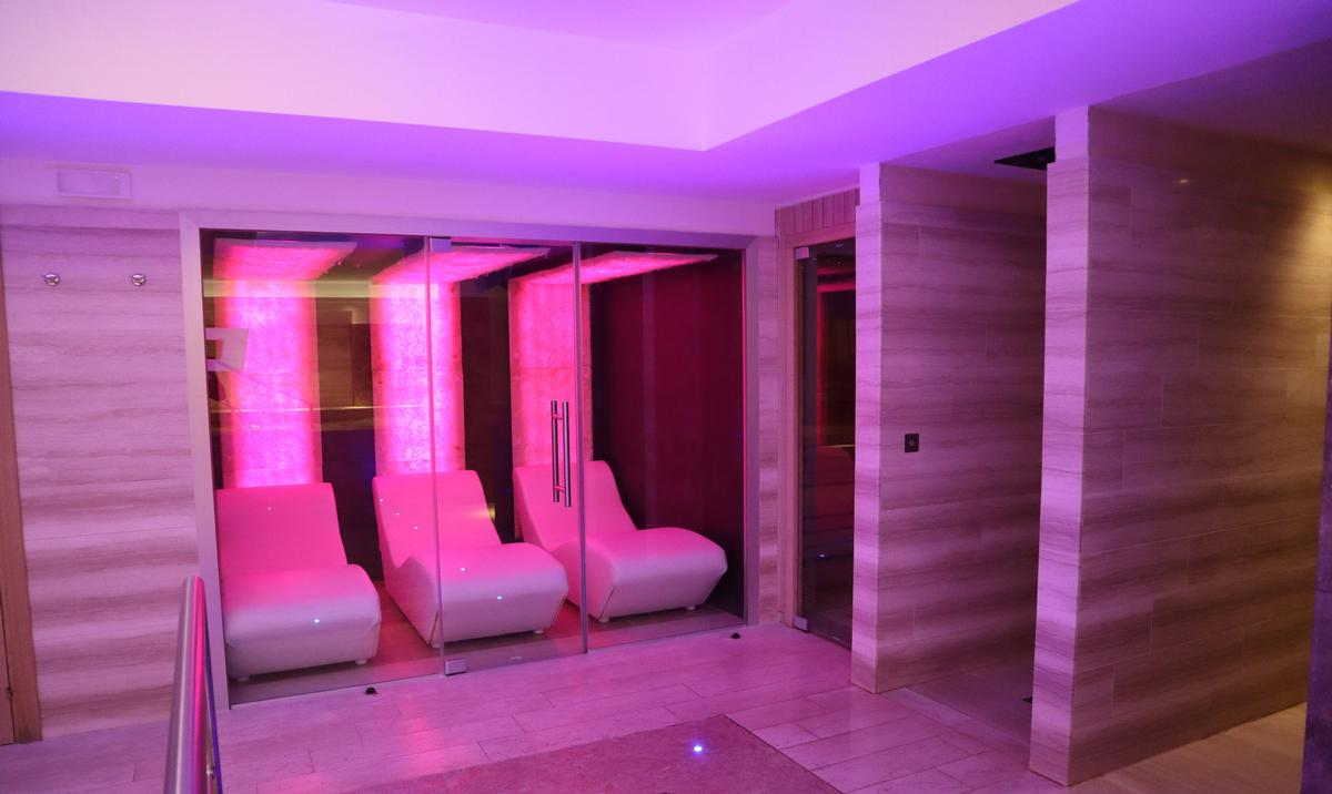 Halotherapy Solutions will create a cave capable of accommodating between two to six people / Halotherapy Solutions