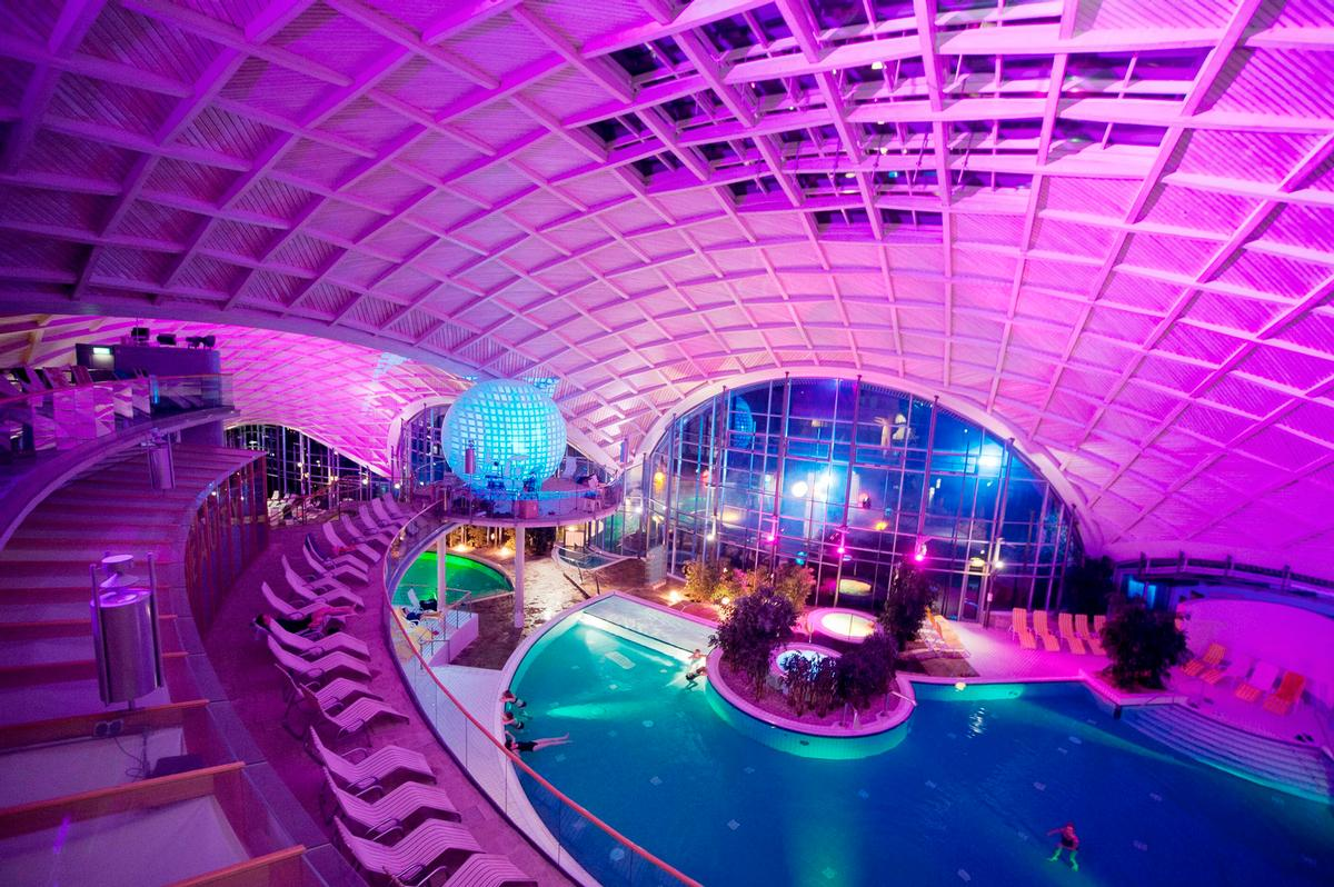 The festival usually centres around guests visiting the destination's thermal bath – described as a 'concert hall filled with water' / Toskanaworld